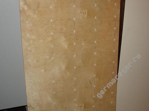 Сборочная панель с пластиковыми крестиками
