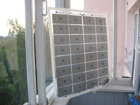 Самодельная солнечная батарея. Вид сзади.
